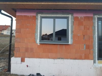 10 okno Pixel s EUPP.jpg